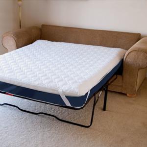 Сложить постельное белье в наволочку